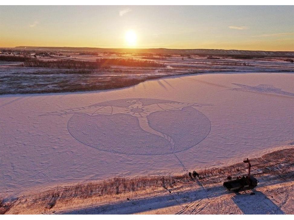 Рисунки на снегу Дракон